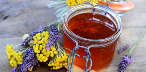 Honig gegen raue Ellenbogen