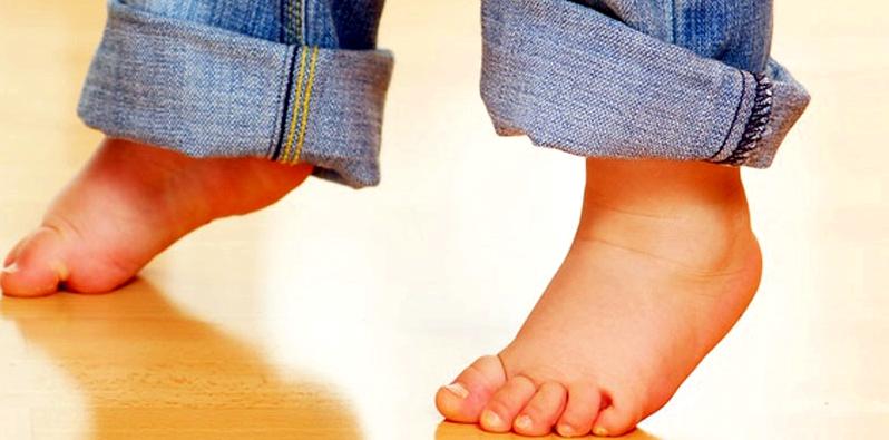 Vorsorgeuntersuchungen Kinderfüße auf Knick-Senkfuß überprüfen