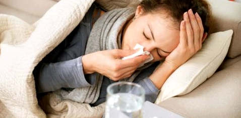Frau mit Grippe