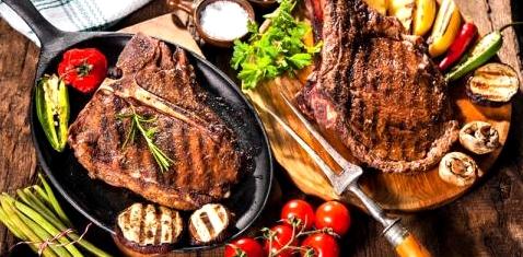 Paleo-Diät mit viel Fleisch