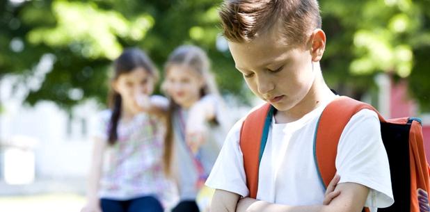 Kinder mit Tourette-Syndrom werden aufgrund ihrer Tics häufig ausgegrenzt