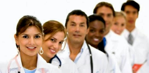 Ärzte helfen gerne weiter bei gesundheitlichen Fragen, z. B. ob eine HPV-Impfung