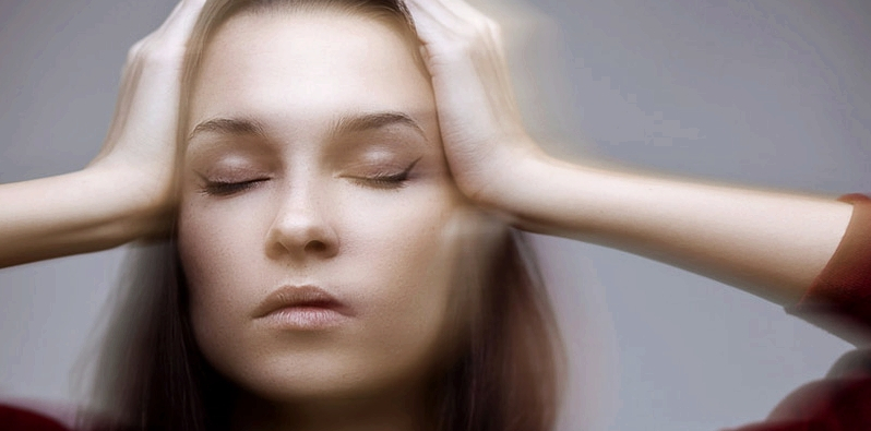Schwindel und Kopfschmerzen können mögliche Nebenwirkungen des Wirkstoffs Loperamid sein