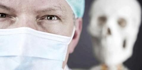 In Deutschland unterlaufen Ärzten jährlich zehntausende Behandlungsfehler