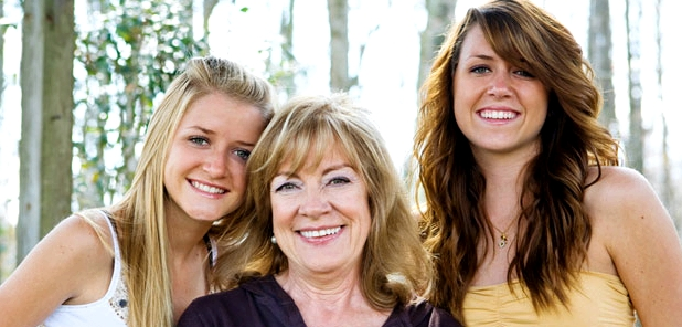 Wechseljahre: Wann sie einsetzen, ist erblich bedingt und bei Müttern und Töchtern meistens im gleichen Alter