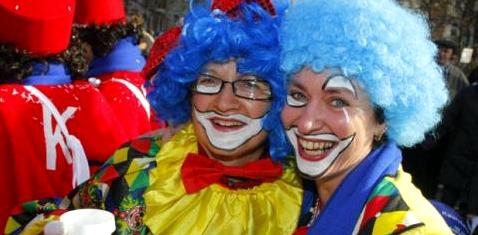 Frauen beim Karneval
