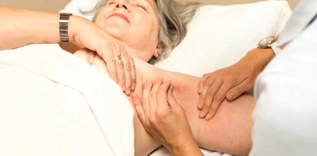 Lymphdrainagen können Ödeme lindern