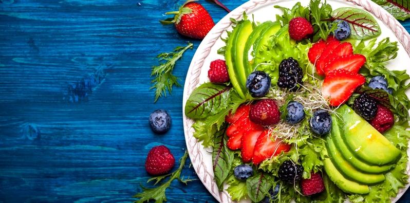 Obst und Salat