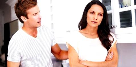 Paar streitet sich