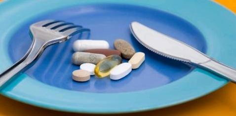 Pillen auf einem Teller
