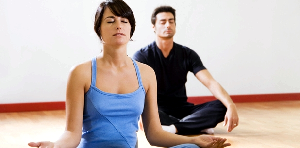 Yoga hilft gegen Zaehneknirschen