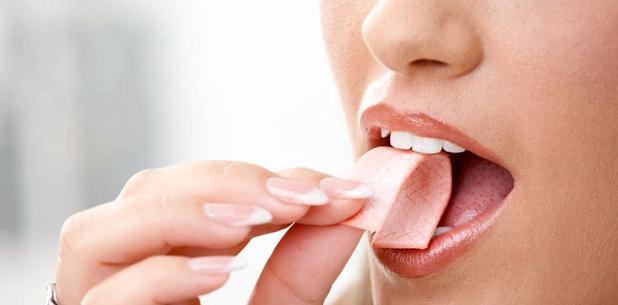 Kaugummikauen hilft gegen Mundtrockenheit