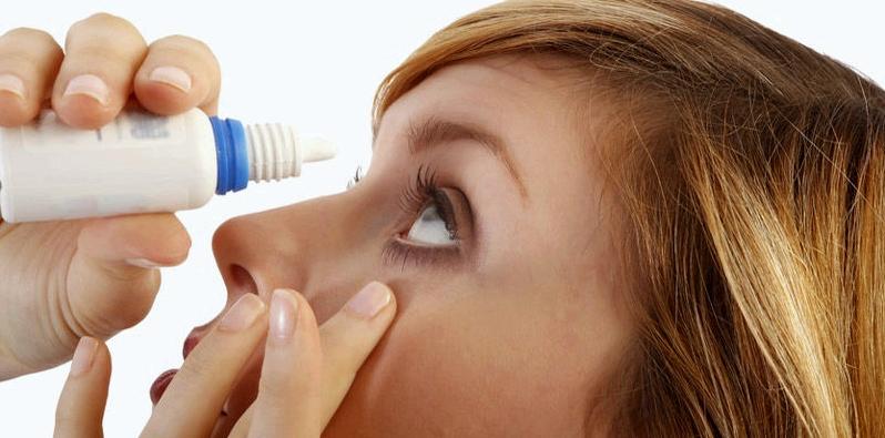 Augentropfen mit Dexpanthenol werden oft zur Behandlung von Bindehautentzündungen eingesetzt