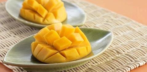 Aufgeschnittene Mango