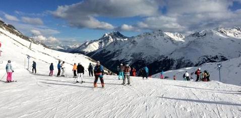 Wintersportverletzungen durch Menschenmassen