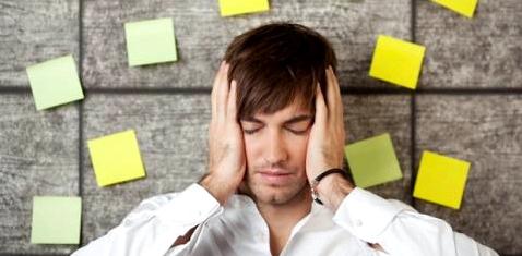 Stress kann zu Rückenbeschwerden führen
